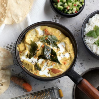 Chicken and Cashew Nut Korma with rice